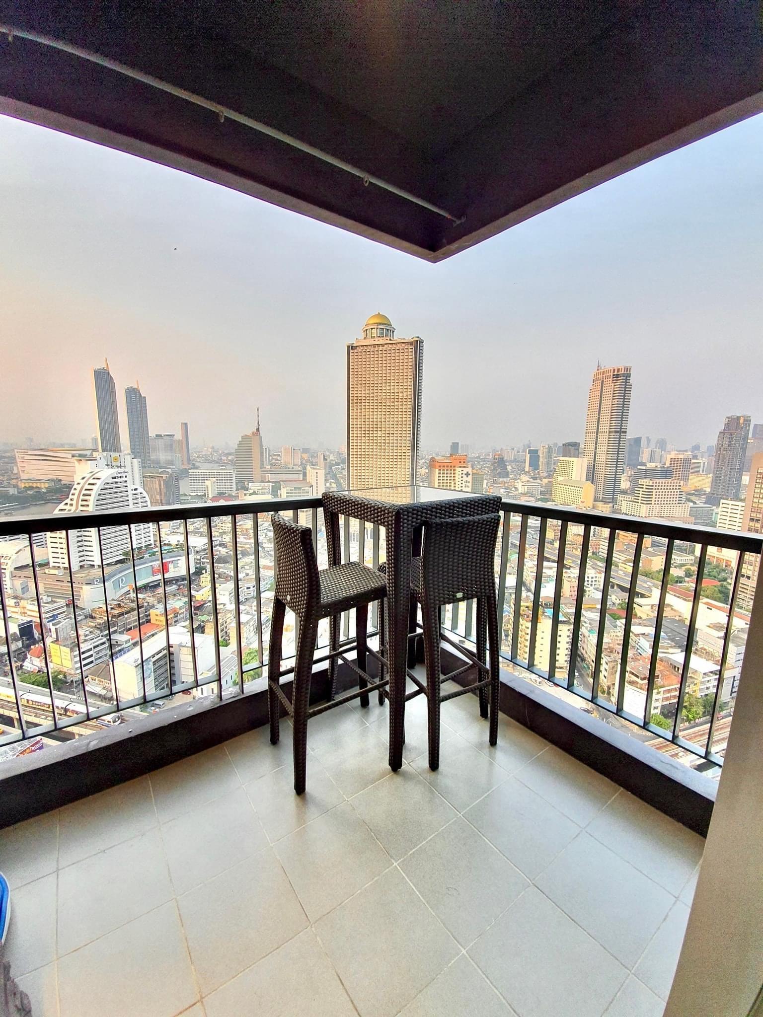 Bangkok Condo Apartment For Rent in Sathorn Surasak High Rise Condo Sathorn