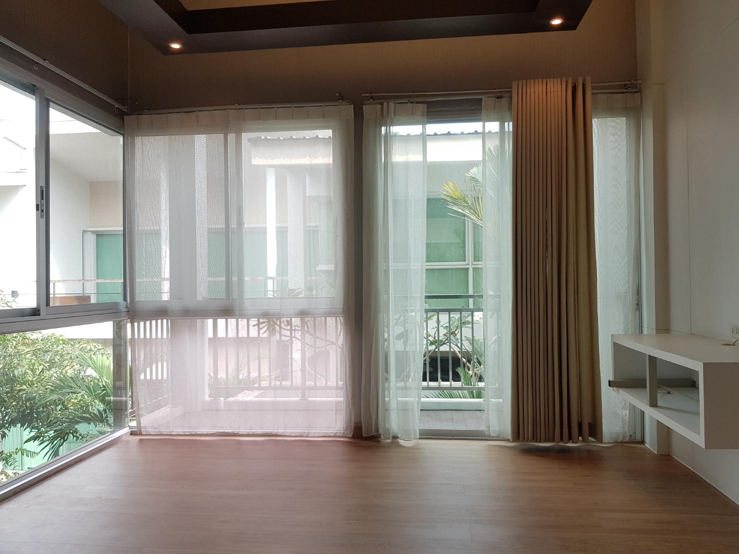 Bangkok House For Rent in Phrom Phong Sukhumvit Stylish Home with Pool