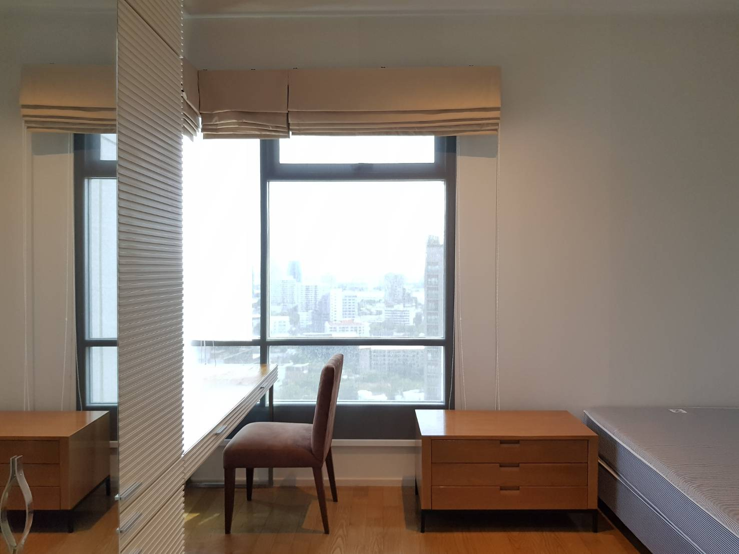 Bangkok Property Condo Apartment House Real Estate For Rent in Phrom Phong Sukhumvit Smooth & Clean Style