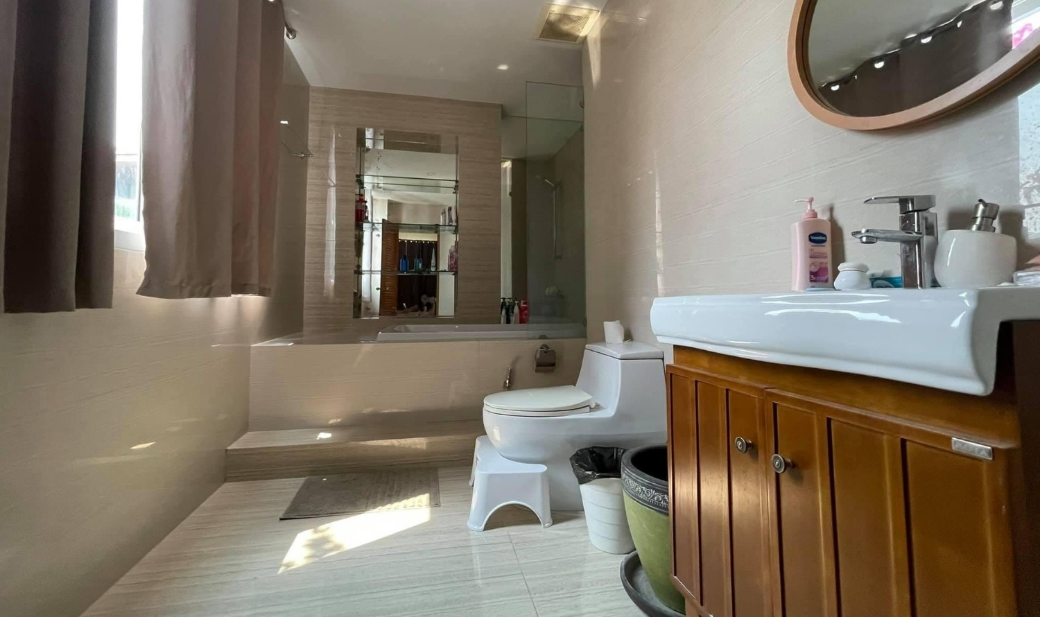 Bangkok House For Sale in Ekkamai Sukhumvit Lovely Modern House with Private Pool and Elevator Conner Unit