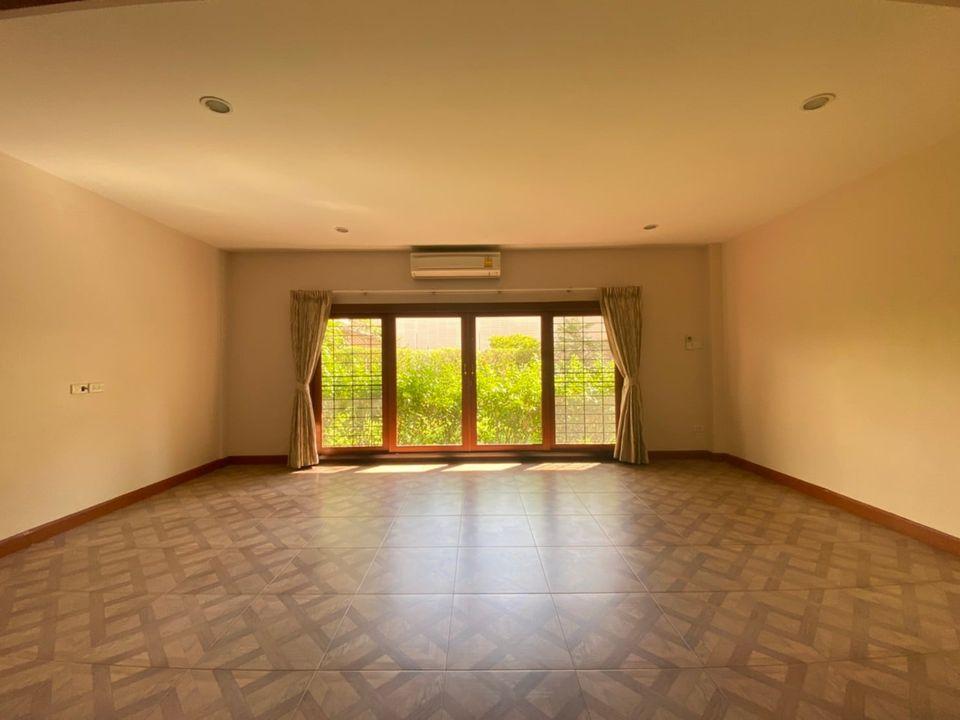 Bangkok House For Rent in Asoke Sukhumvit Homey House in Asoke