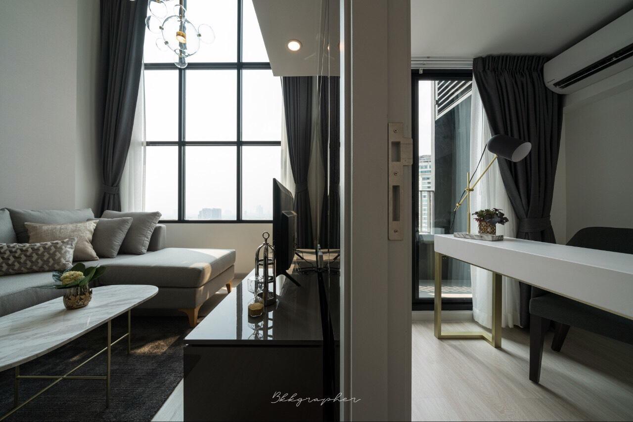 Bangkok Condo Apartment For Rent in Sathorn Chong Nonsi Hight Floor Duplex in Prime Sathorn
