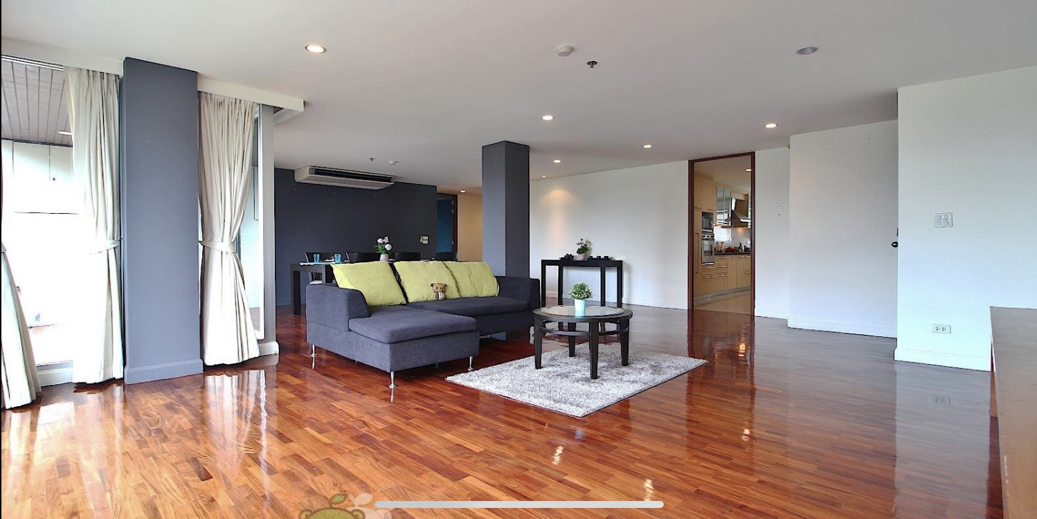 Bangkok Condo Apartment For Rent in Sathorn Surasuk with Maid's room Spacious Residence