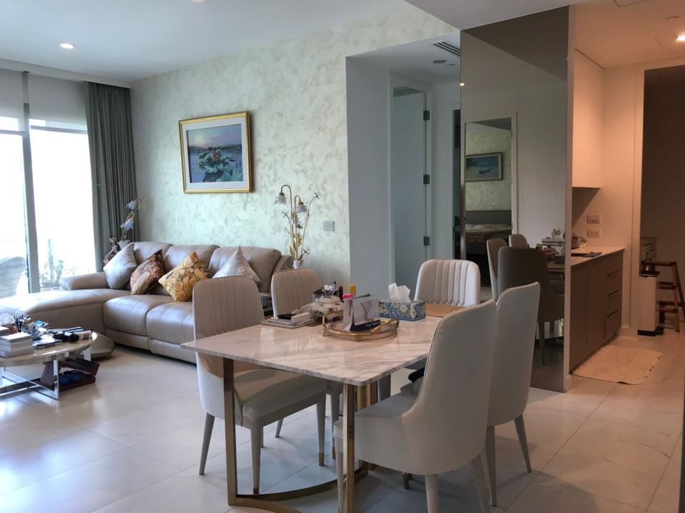 Bangkok Property Condo Apartment House Real Estate For Sale in Ratchadamri Top Location Unit