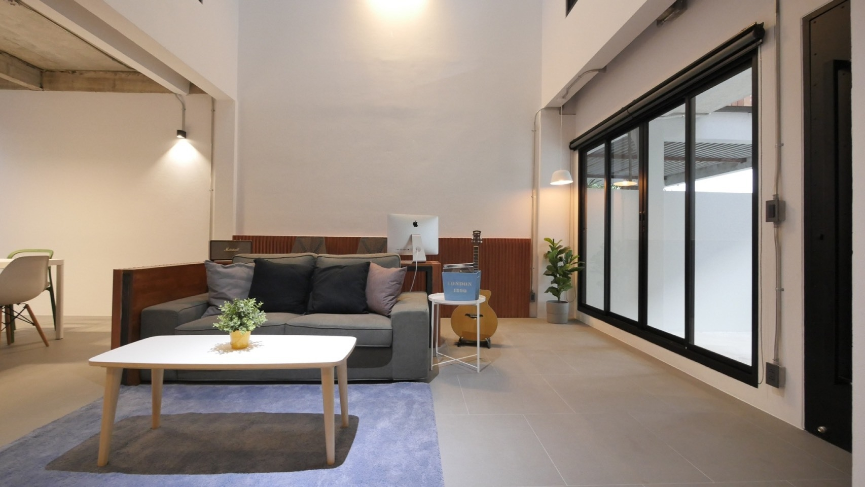 Bangkok House Townhouse For Rent in Phrom Phong Sukhumvit Loft Style Townhome
