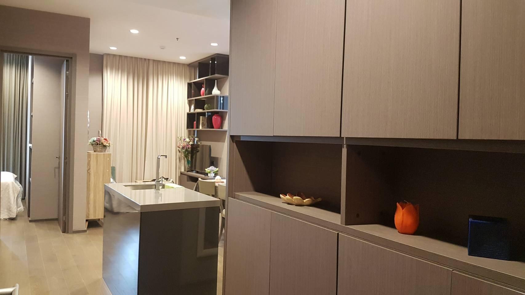 Bangkok Condo Apartment For Rent in Sathorn Chong Nonsi City View in Sathorn
