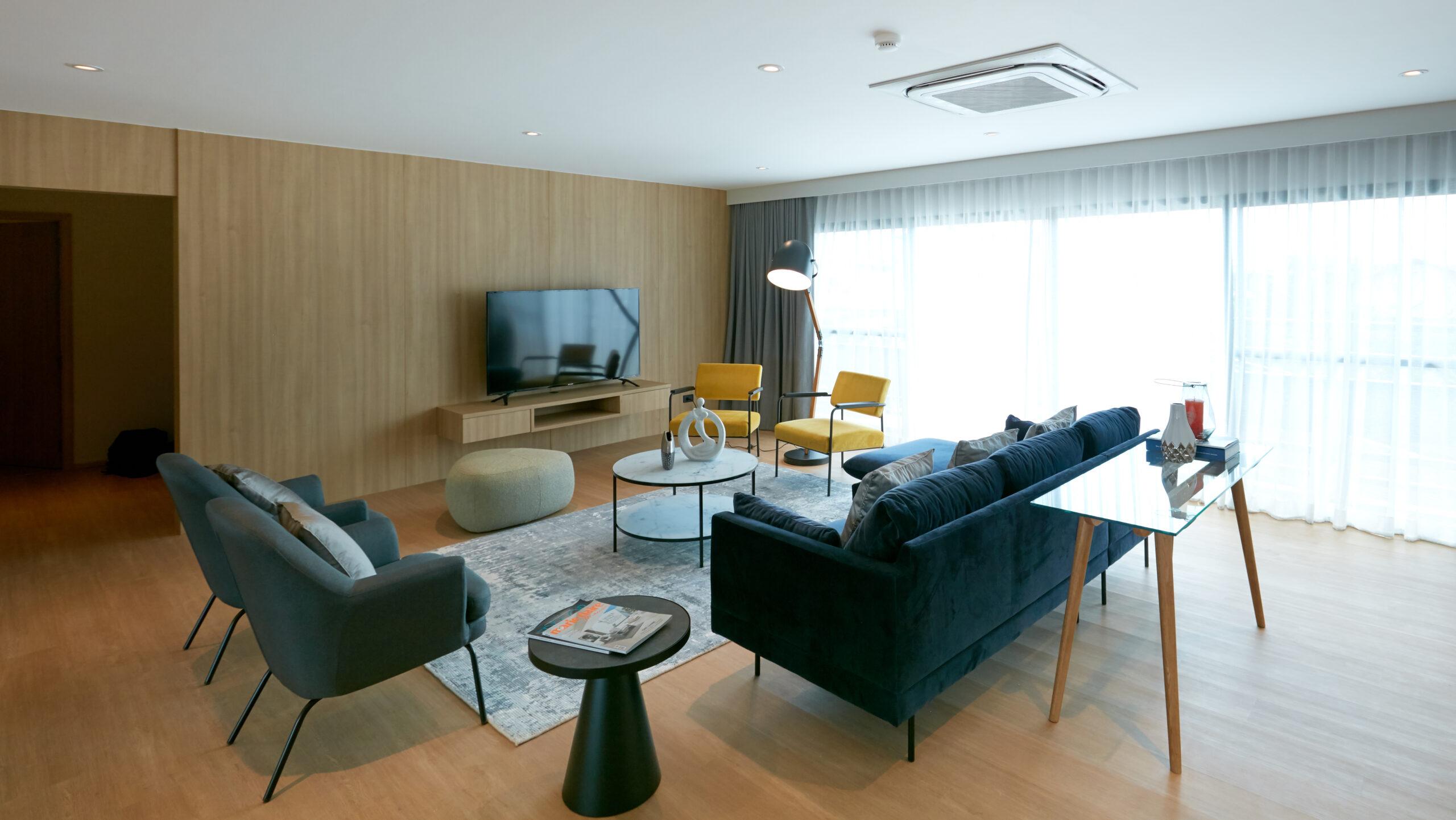 Bangkok Condo Apartment For Rent in Ekkamai Pet friendly Sukhumvit Modern Residence