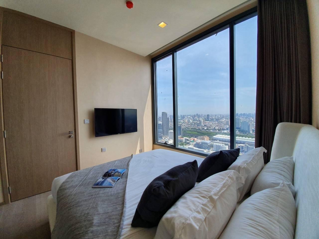Bangkok Property Condo Apartment Real Estate For Sale in Asok Sukhumvit High-rise in Asok