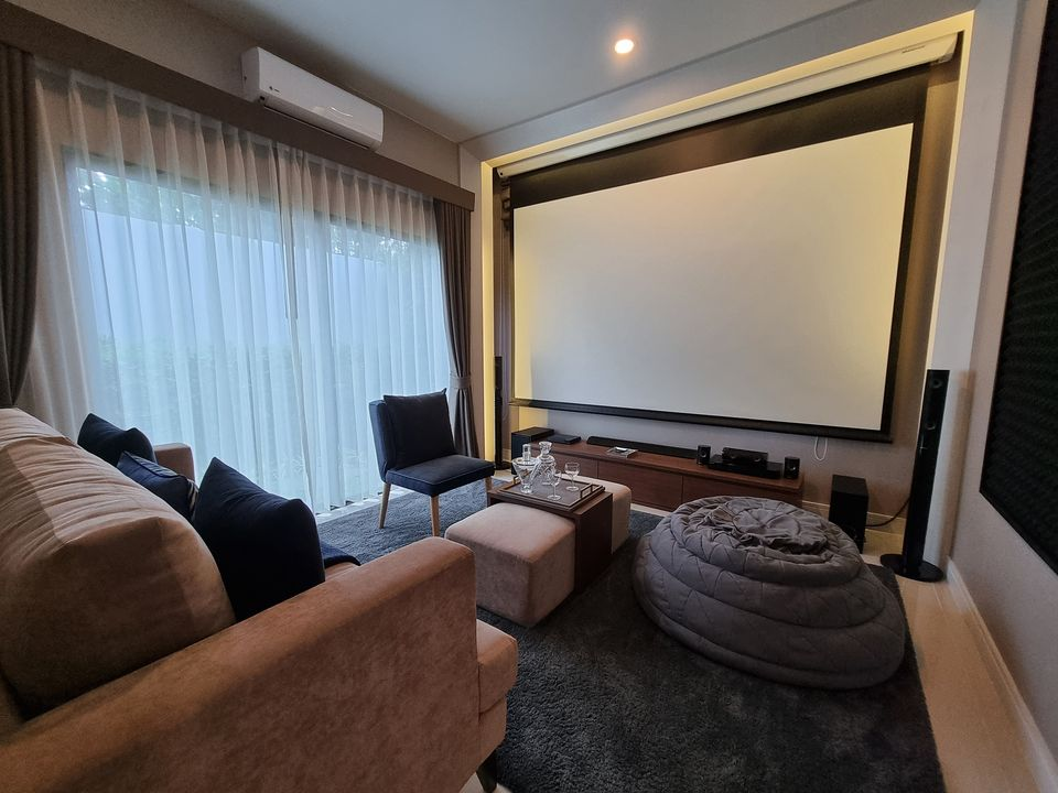 Bangkok House For Rent in Pattanakarn Gorgeous Stunning Home Decor with Garden