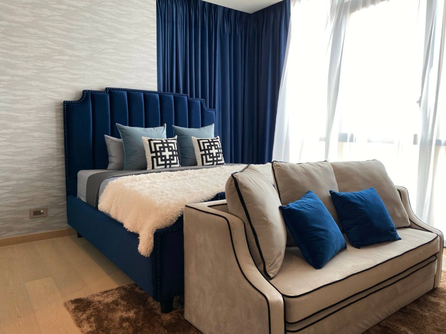 Bangkok Property Condo Apartment House Real Estate For Sale in Thonglor Sukhumvit Rich in Style