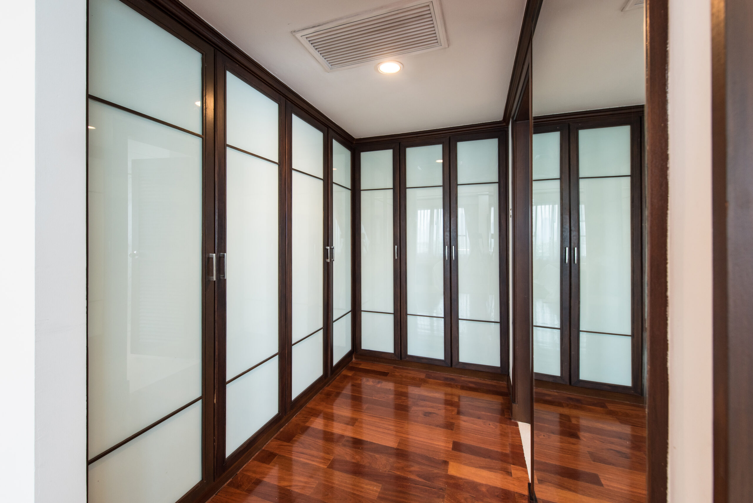 Bangkok Property Condo Apartment House Real Estate For Rent in Asok Impressive & Impeccable Place