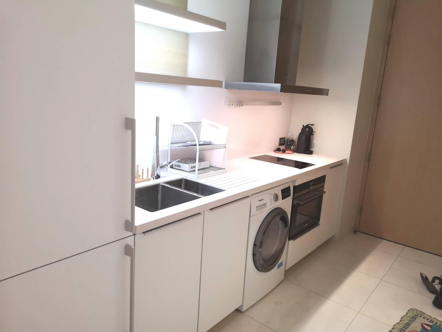 Bangkok Condo Apartment For Rent in Chidlom Sukhumvit Warm & Cozy