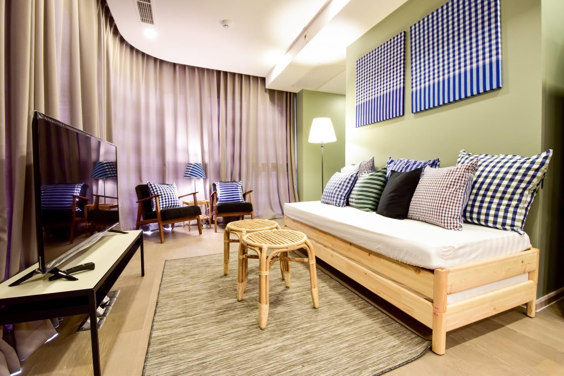 Bangkok Property Condo Apartment Real Estate For Sale in Sukhumvit Rise & Shine in Asok
