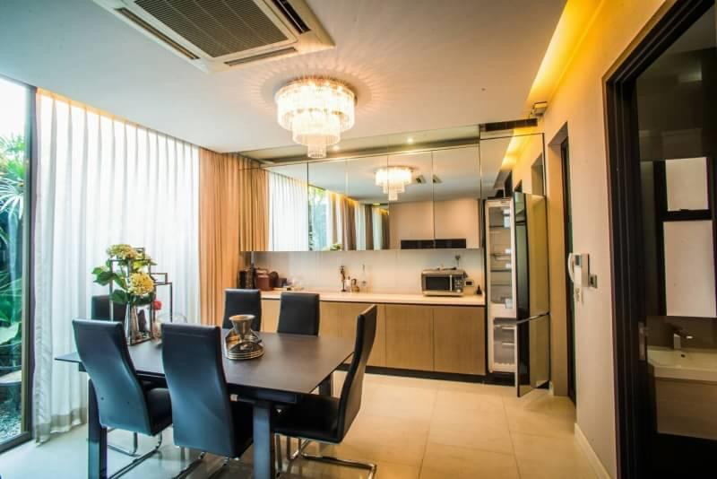 Bangkok House Townhouse For Rent in Ekkamai Private compound Modern & Luxury Townhome
